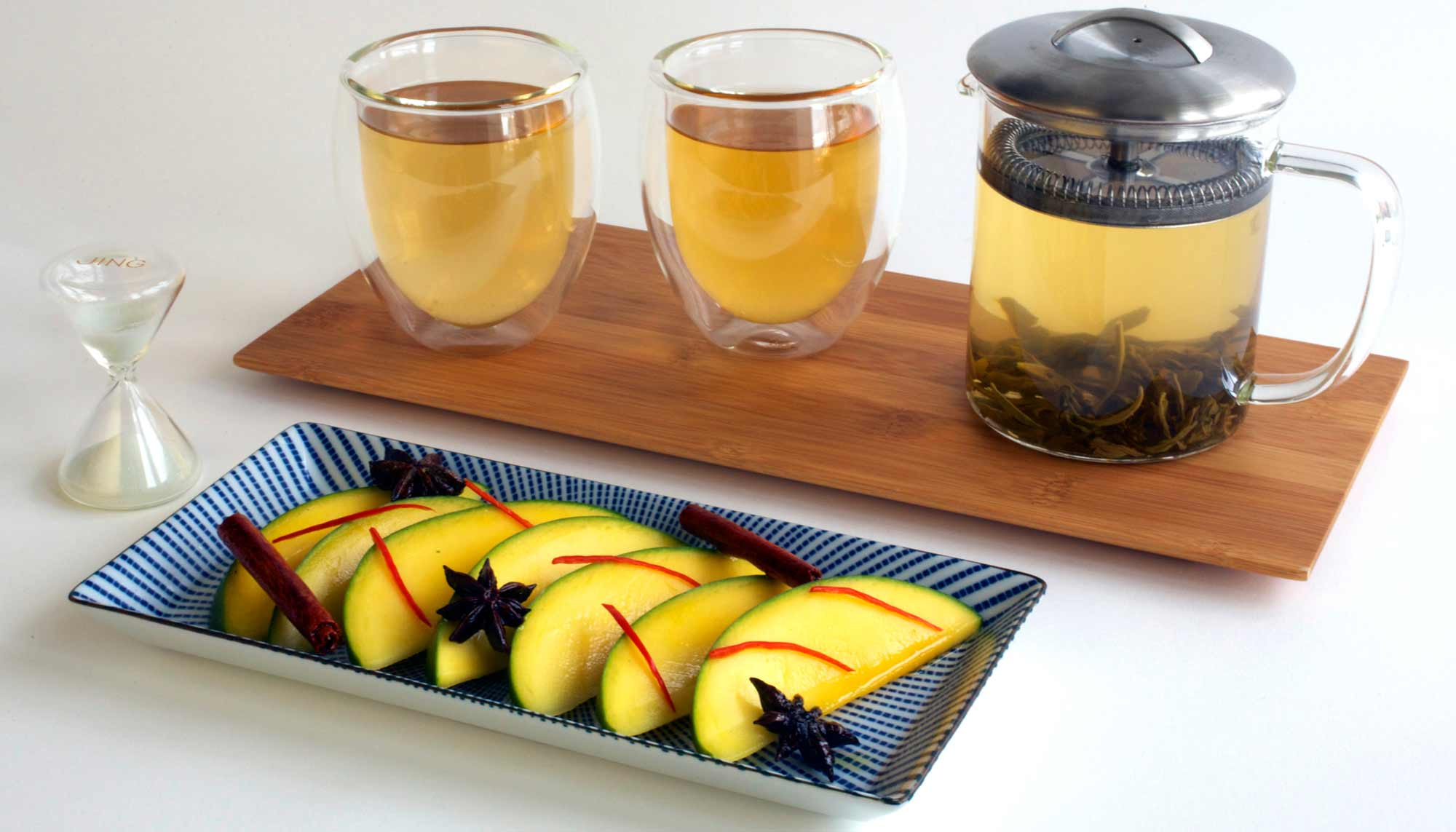 Tea-iere Set of Jasmine Pearls with Fresh Mango Dessert