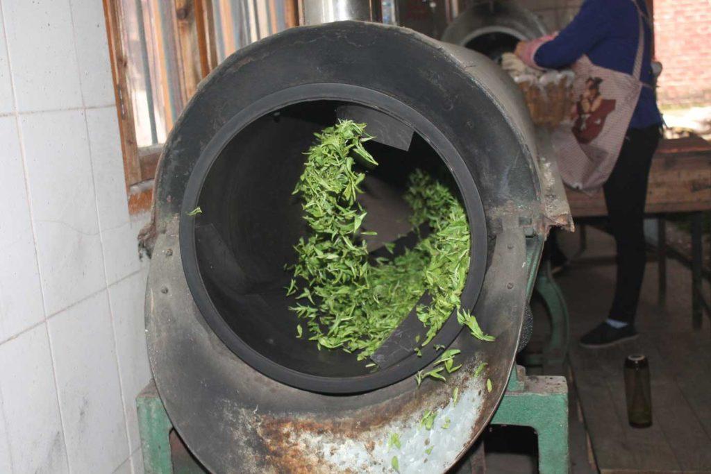 hunan-silver-peak-loose-tea-tea-factory_blog_2