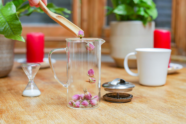 The health benefits of rose tea