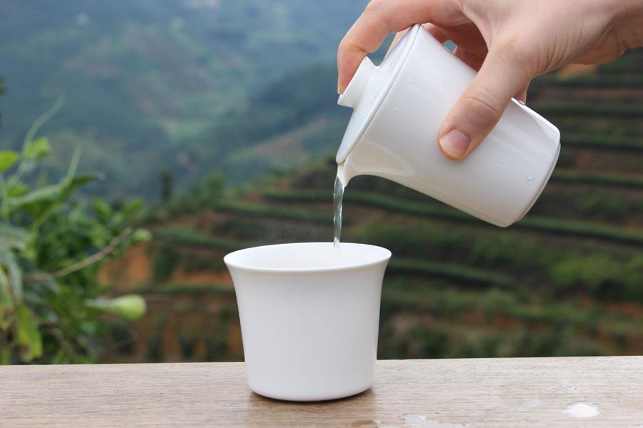 Enjoy-drinking-tea-outside