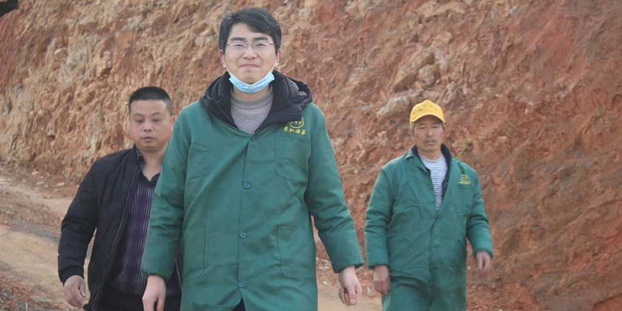 Zhou-Wei-and-members-of-the-team-heading-down-the-mountain-after-inspecting-the-bushes