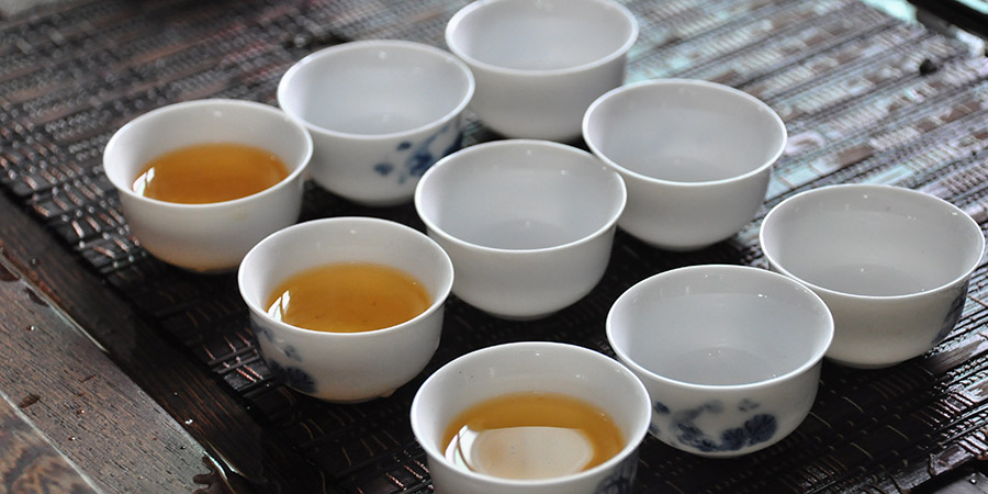 In Guangdong Phoenix will be served in tea houses in small cups, over multiple infusions.