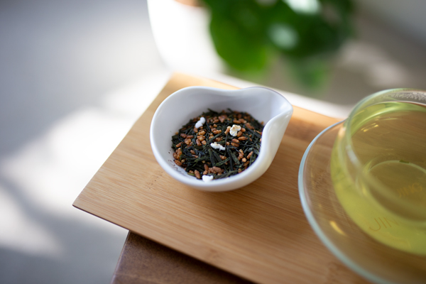 The-deep-green-tea-leaves-and-toasted-mochi-gome-rice-of-our-Genmaicha