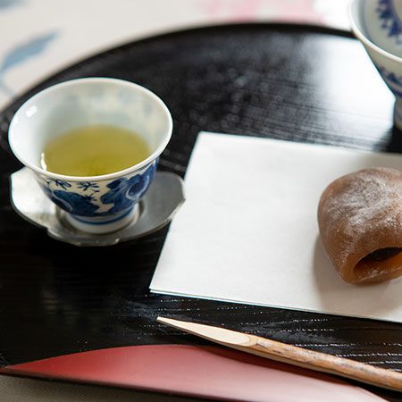 Gyokuro and Yokan, a type of red bean cake. Mrs Miyazaki's recommended pairing.