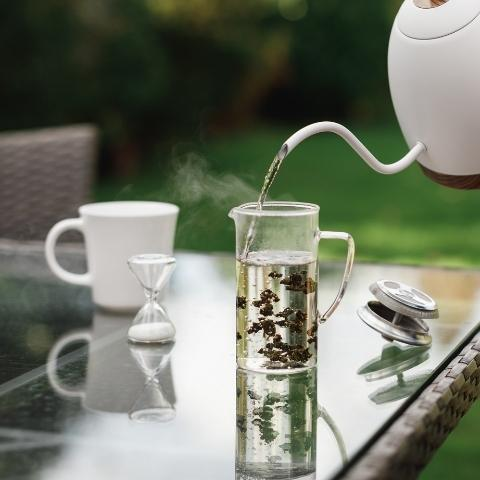 Oolong teas have a very broad selection of tastes and can offer some of the most adventurous flavour experiences out there.
