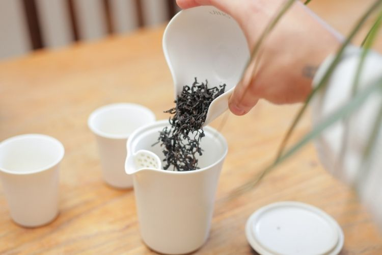 We recommend drinking this tea 'gong fu' style over multiple infusions to get the most flavour out of the wild leaves.