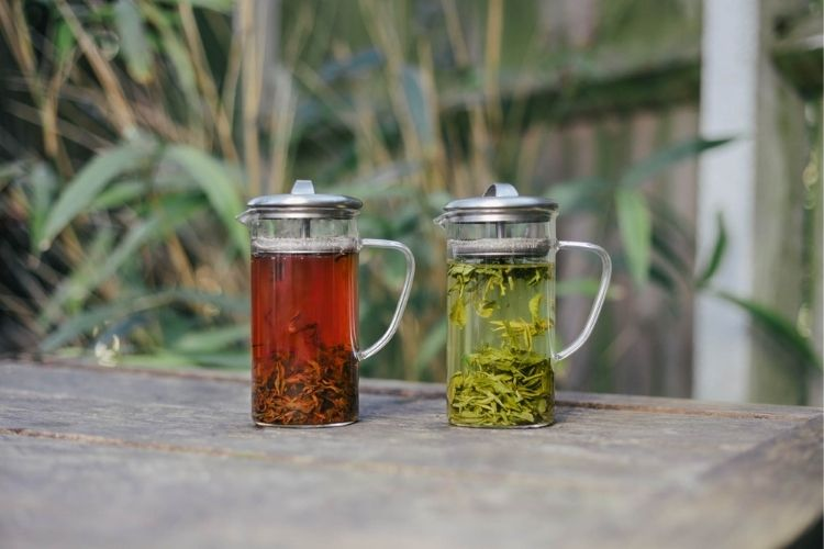 Enjoying loose leaf green and black teas can be really simple with a few key tips like choosing the right water temperature.