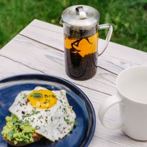 Spicy Avocado Toast With A Crispy Fried Egg | Wuyi Oolong Tea Pairing