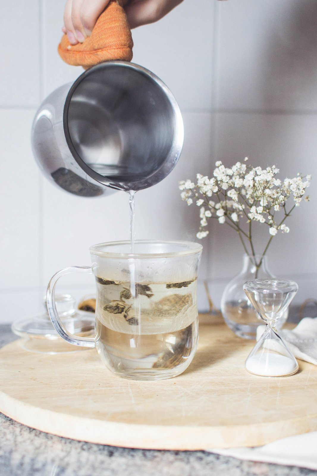 Pouring Hot Water into JING Infuser Mug